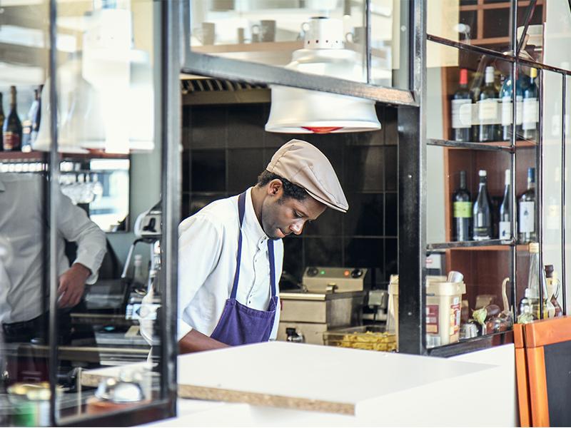 metsens-restaurant-cuisine-travail-cuisson